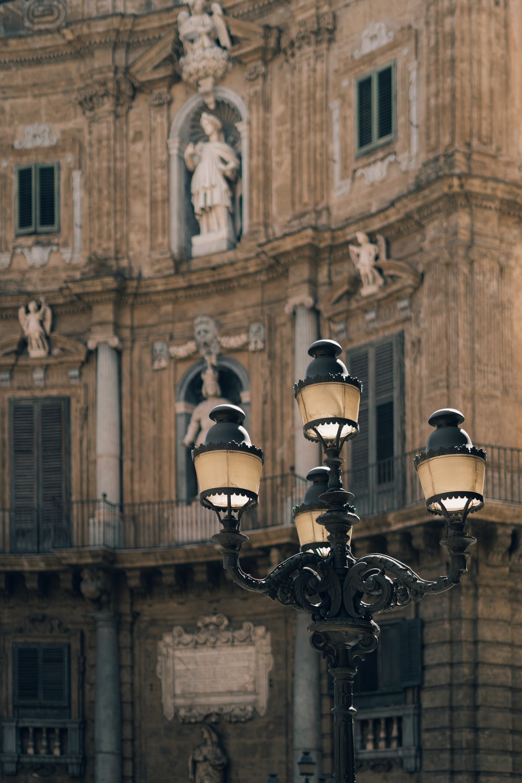 black street light close-up photography