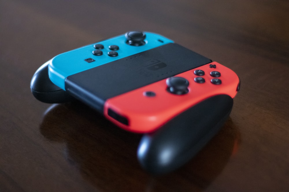 blue and red Nintendo Switch Joy-Con