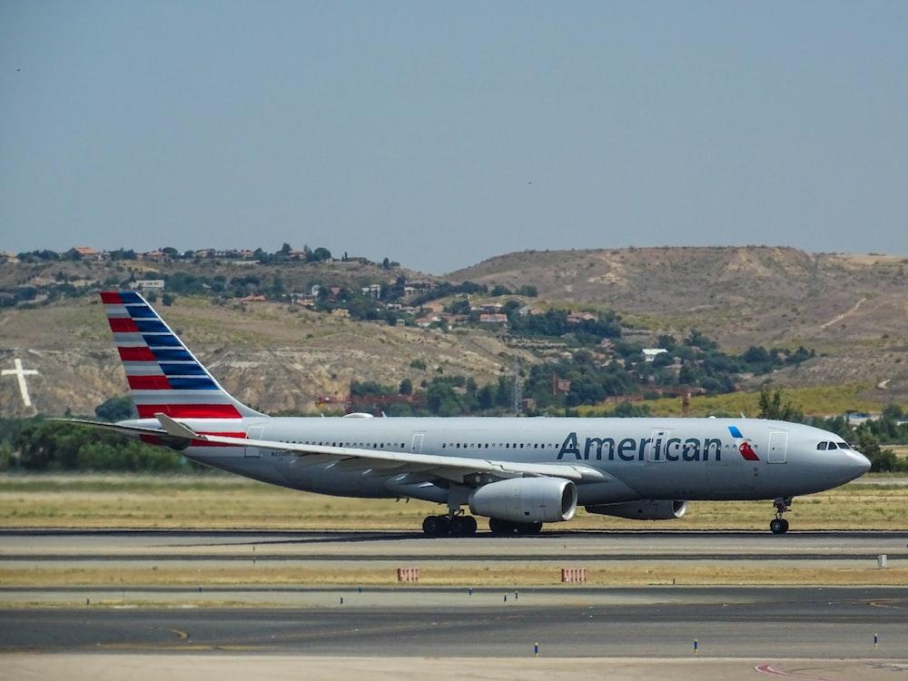 grey American Airways passenger plane in tarmac