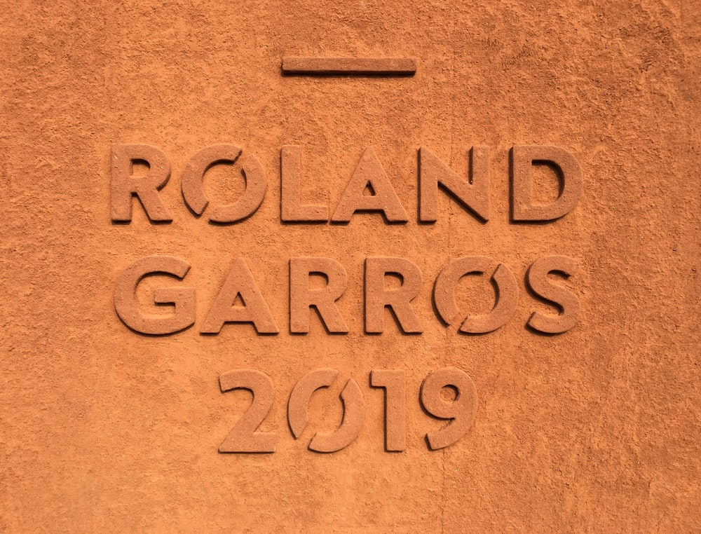 Roland Garros embossed text