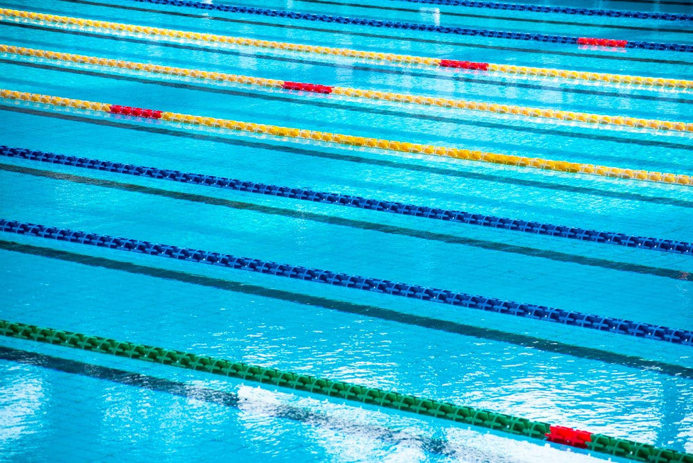 swimming pool with athletic diving ropes