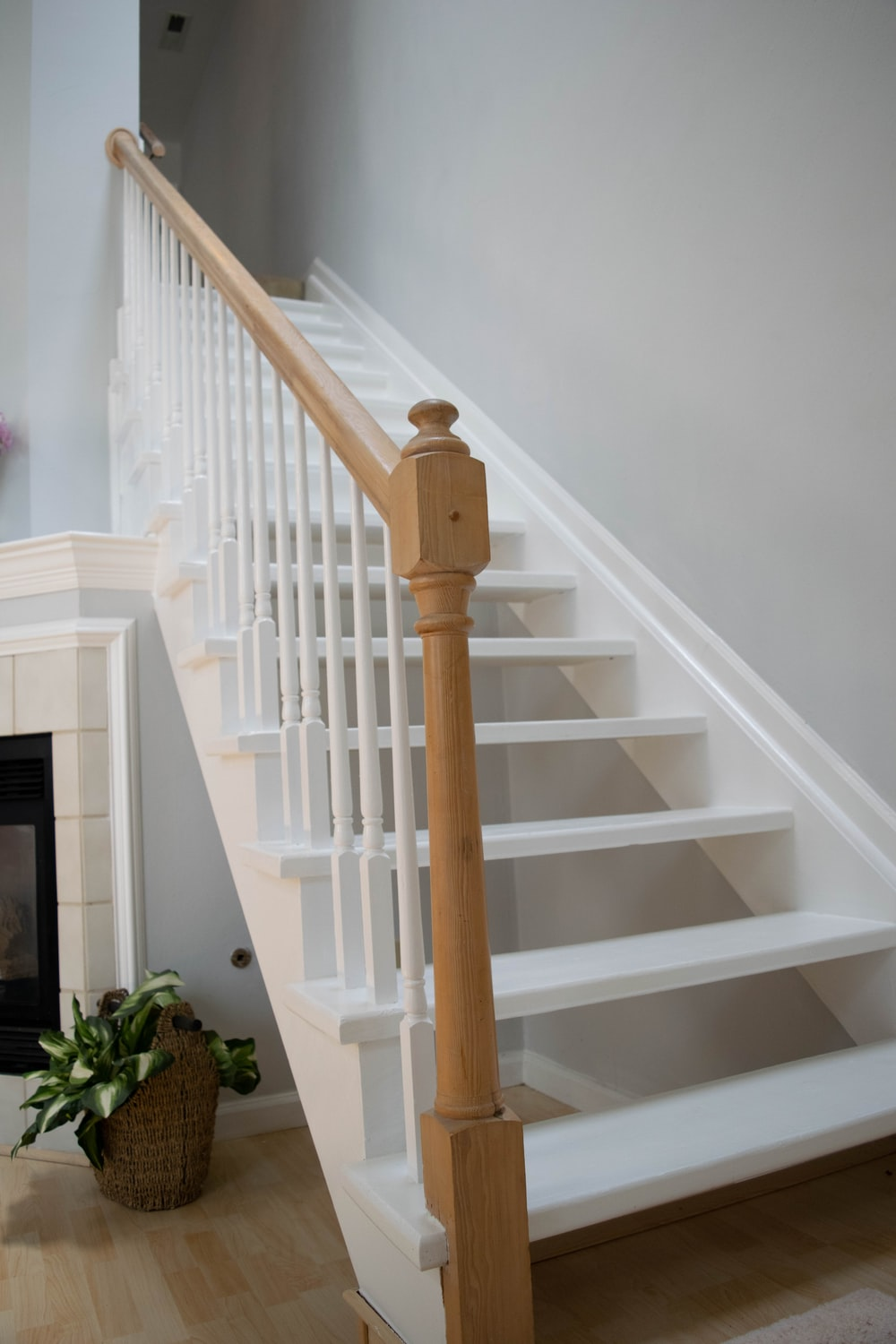 How To Refinish A Staircase For Under $50?