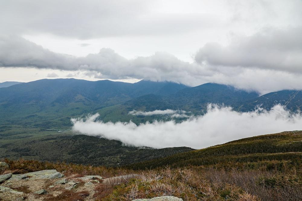 foffy mountain scenery