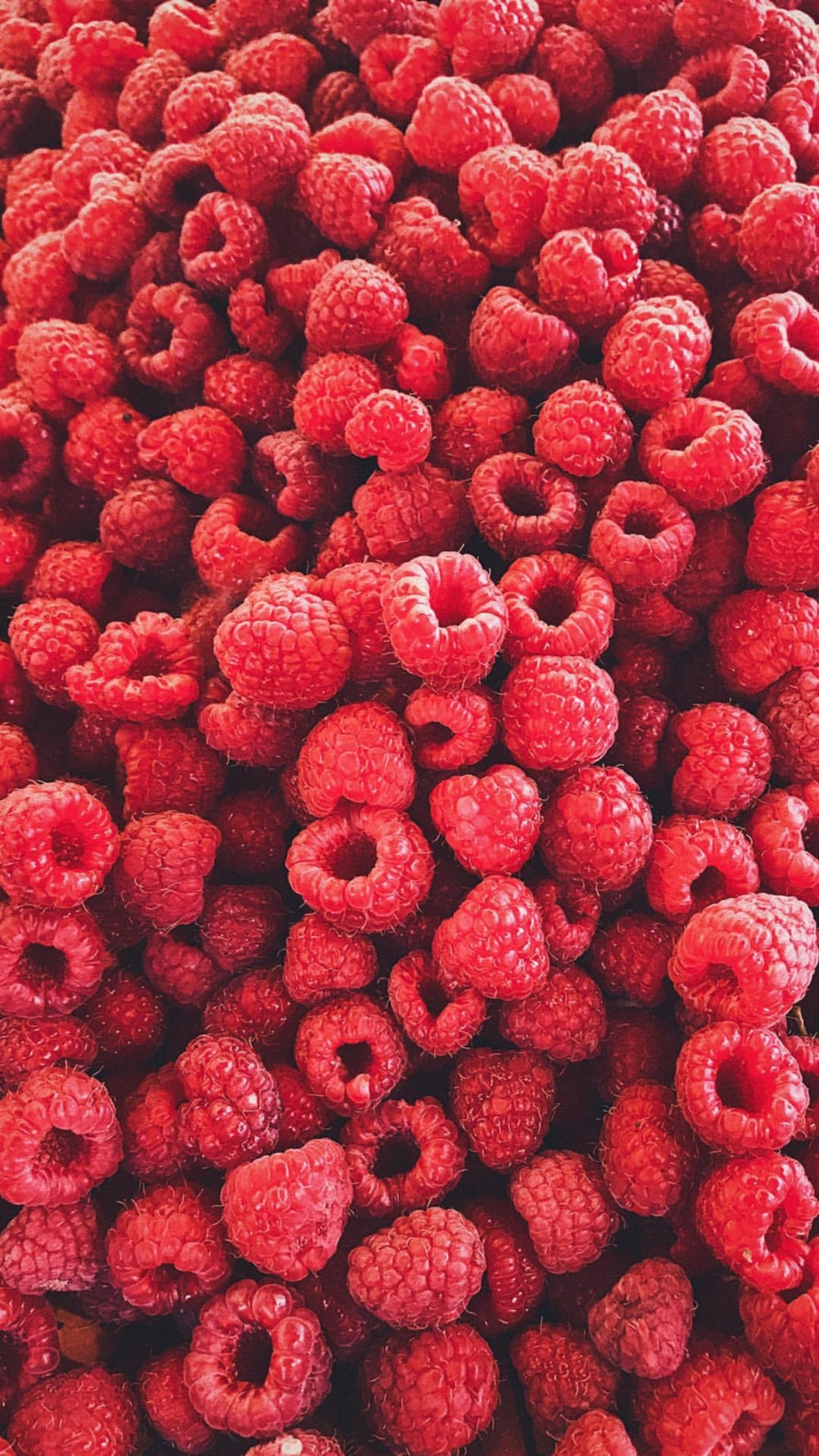 pile of strawberries