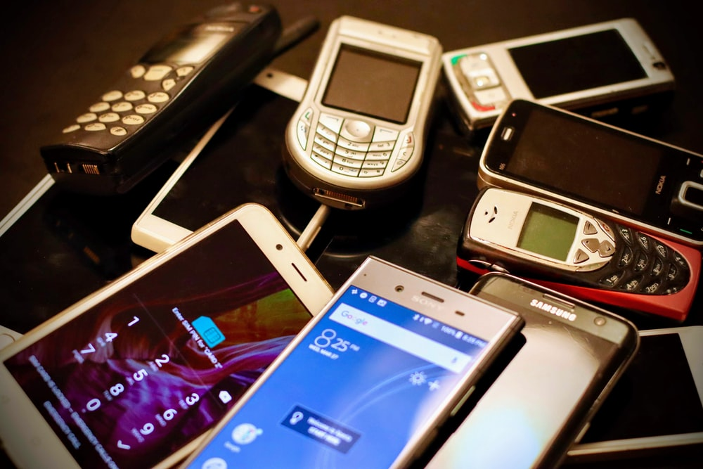 assorted-color phone lot