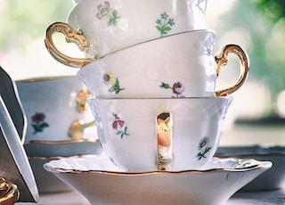 pile of ceramic cups