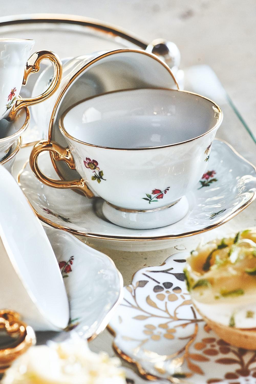 white-gold-red floral ceramic dinnerware set