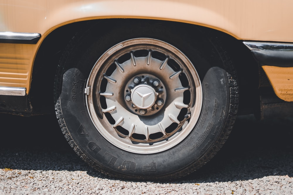 Mercedes-Benz wheel and tire