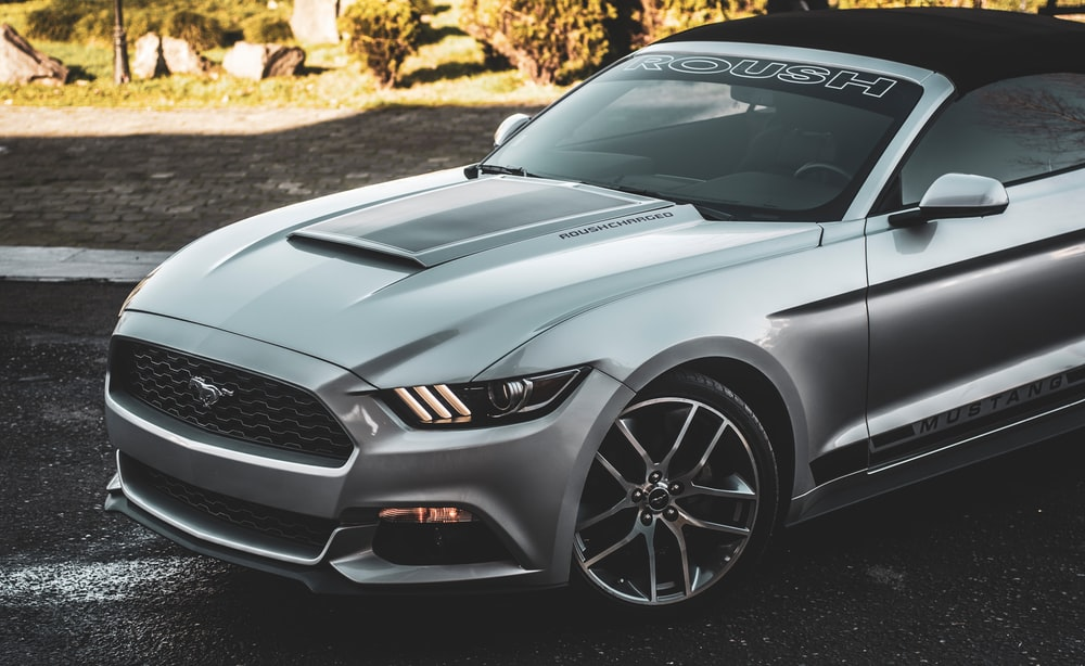 silver Ford Mustang