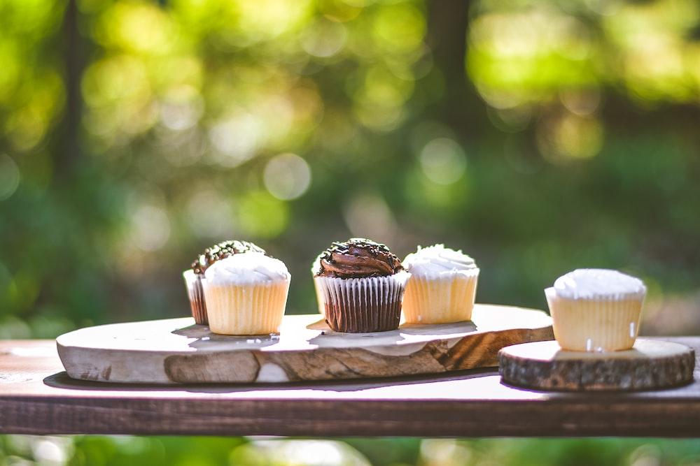cupcakes on slab