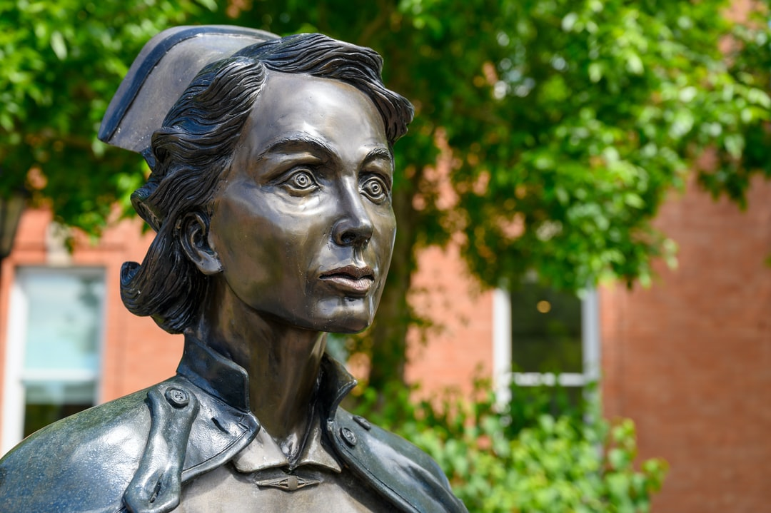 A photo of the Nurse Statue in the garden of the Galt Museum & Archives.
