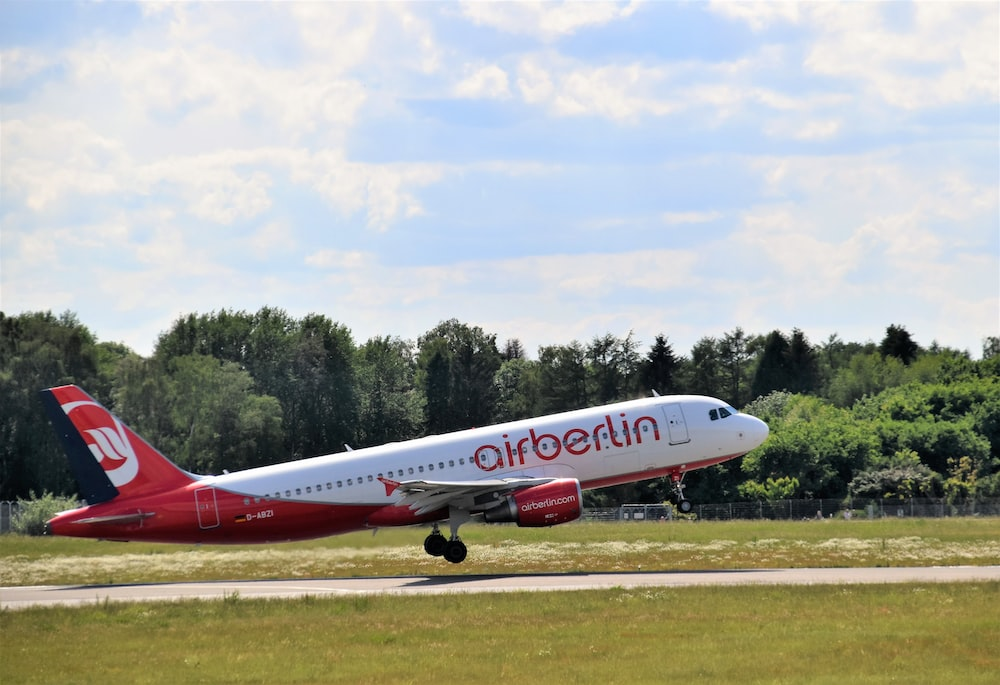 white and red Airberlin airplane