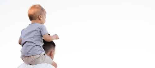 יחסי ילד־מטפל בטיפול הדיאדי: מחשבות על העברה