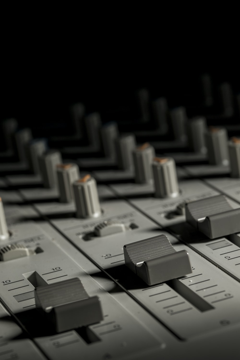 gray audio mixer