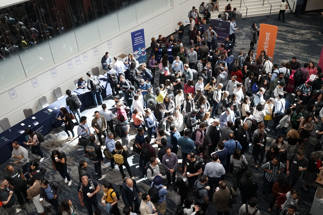 7 Trade Show Ideas To Draw In More Attendees