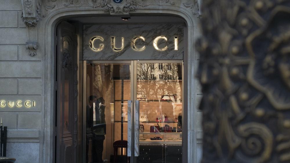 Gucci signage