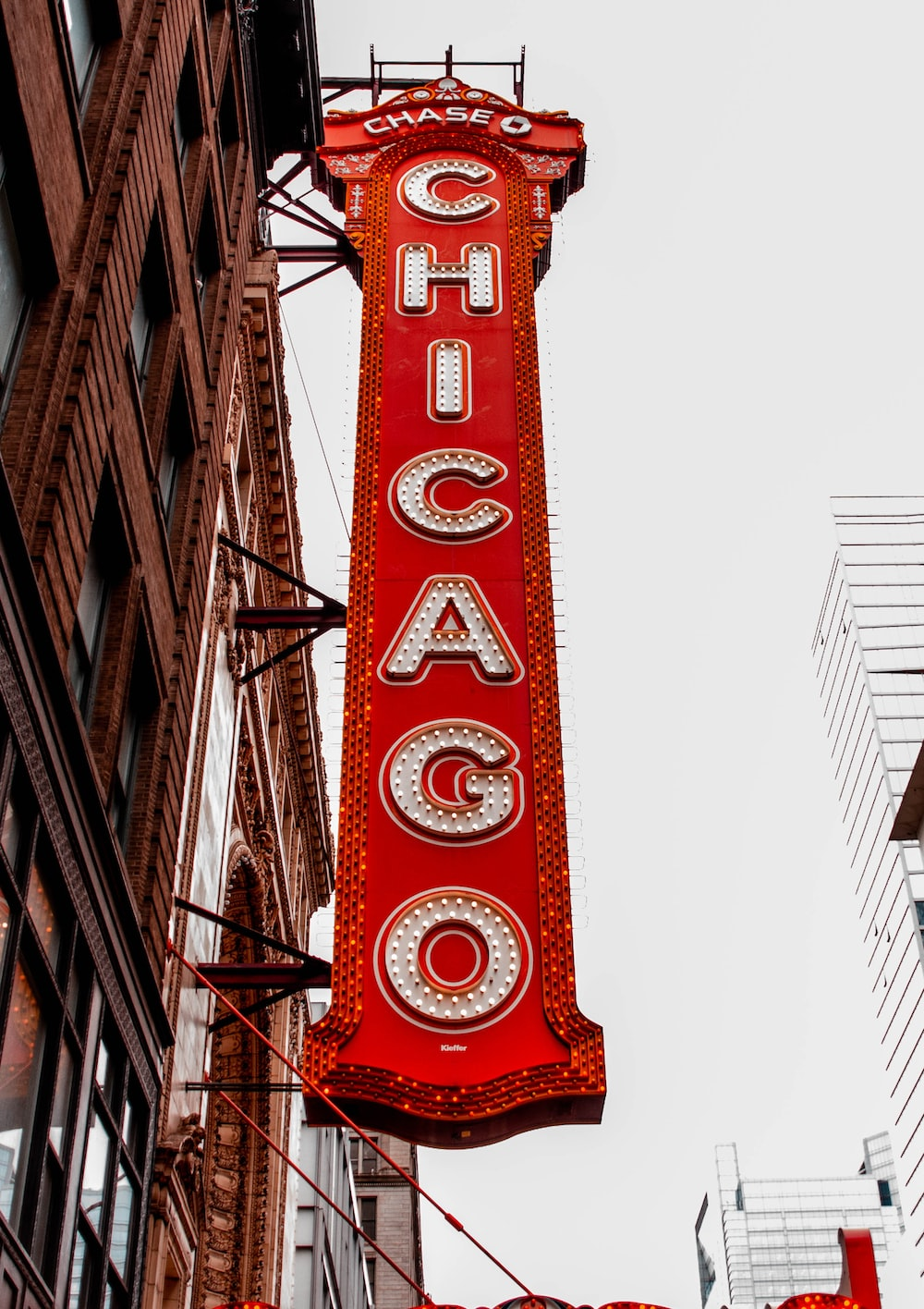 red and white Chase Chicago signage