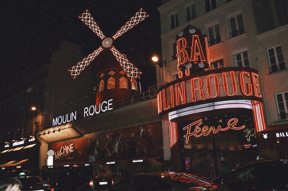 Moulin Rouge bar