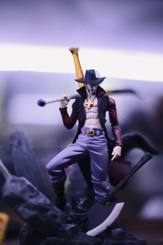 One Piece Dracule Mihawk figurine