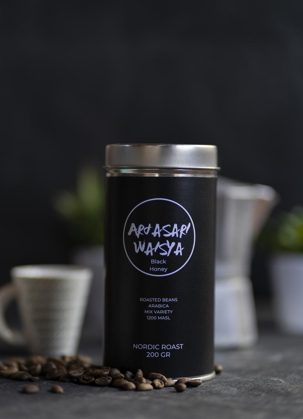 black jar