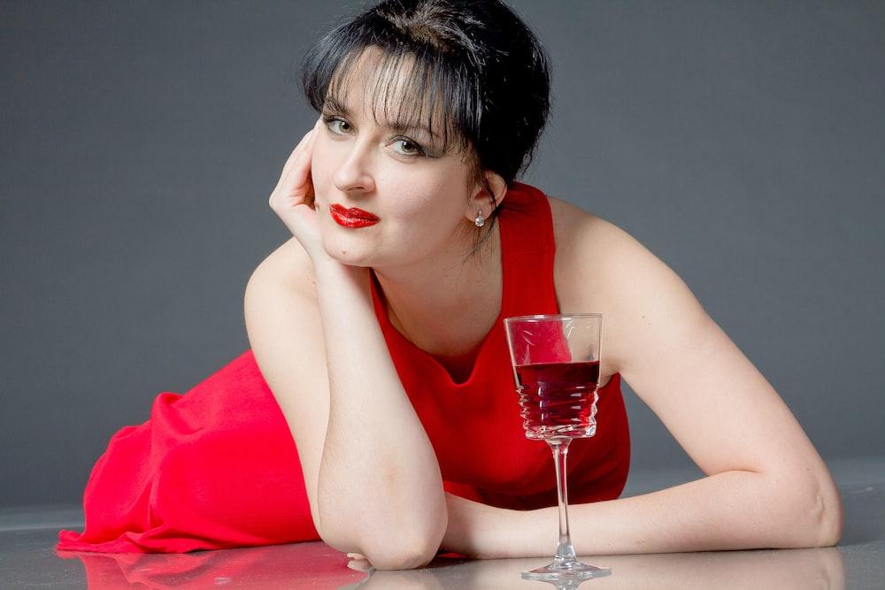 women's red scoop-neck sleeveless dress