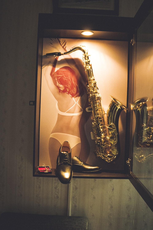gold trumpet artwork