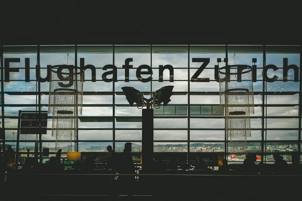 Flughafen Zurich sign