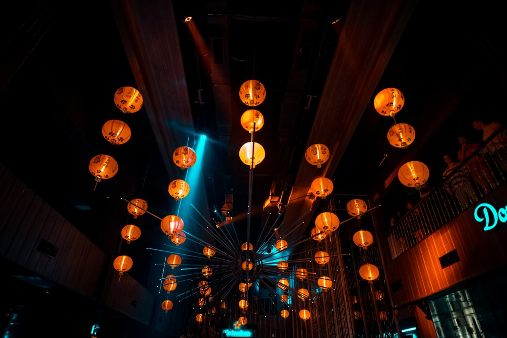 lighted lantern lamps