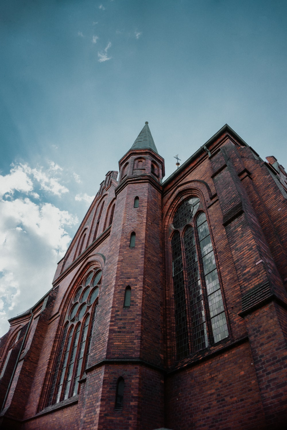 close-up photography of church during daytime