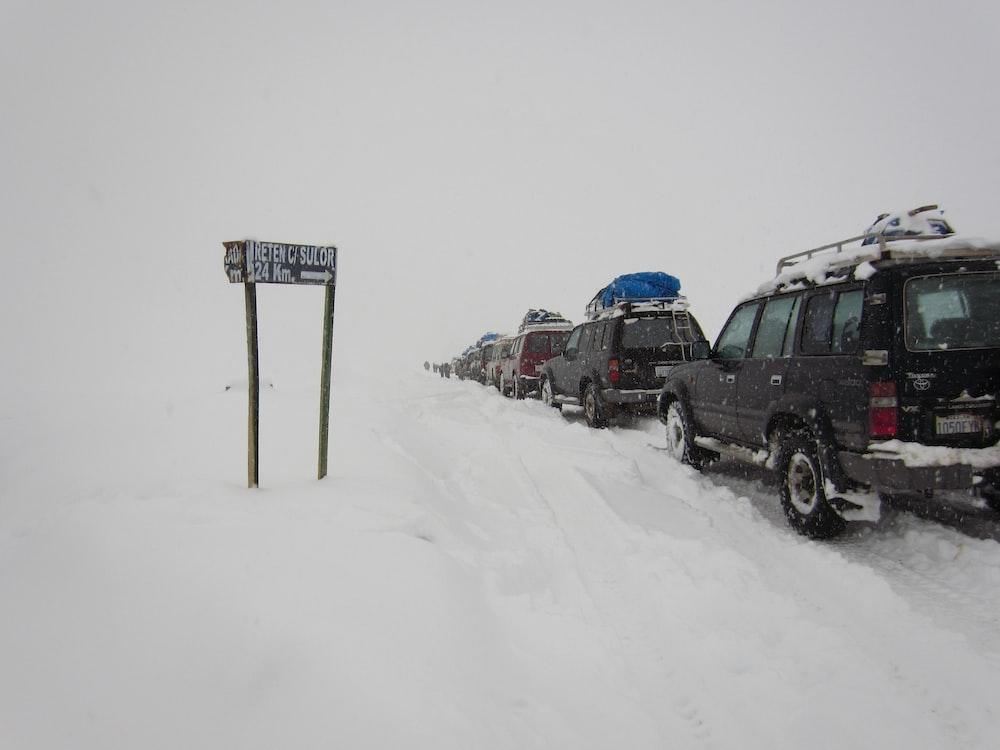 vehicle near sign