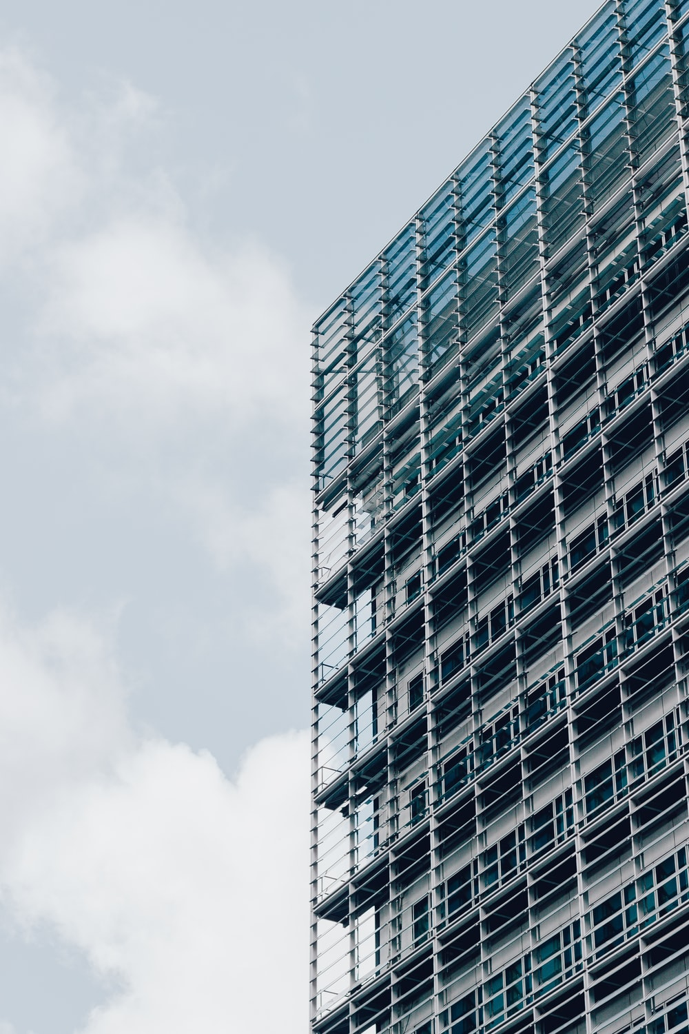 high rise building during daytime