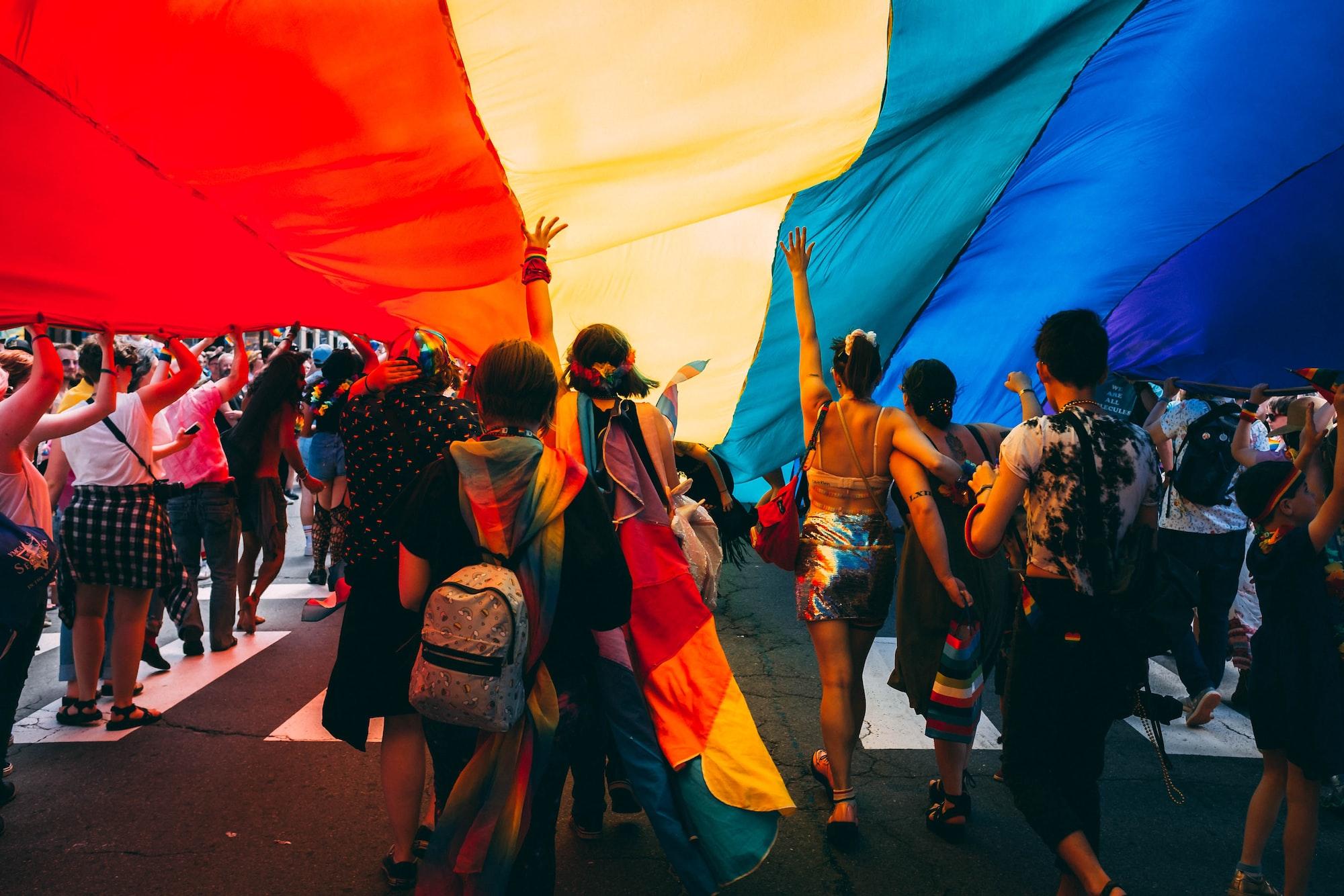 Las búsquedas en Pinterest reflejan que los usuarios quieren mostrar sus verdaderos colores en el mes del Orgullo