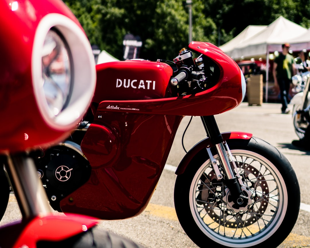 This the best custom bike we ever saw, created by DeBolex. We met them in Parma at the WILDAYS event. Great guys with some amazing custom bikes