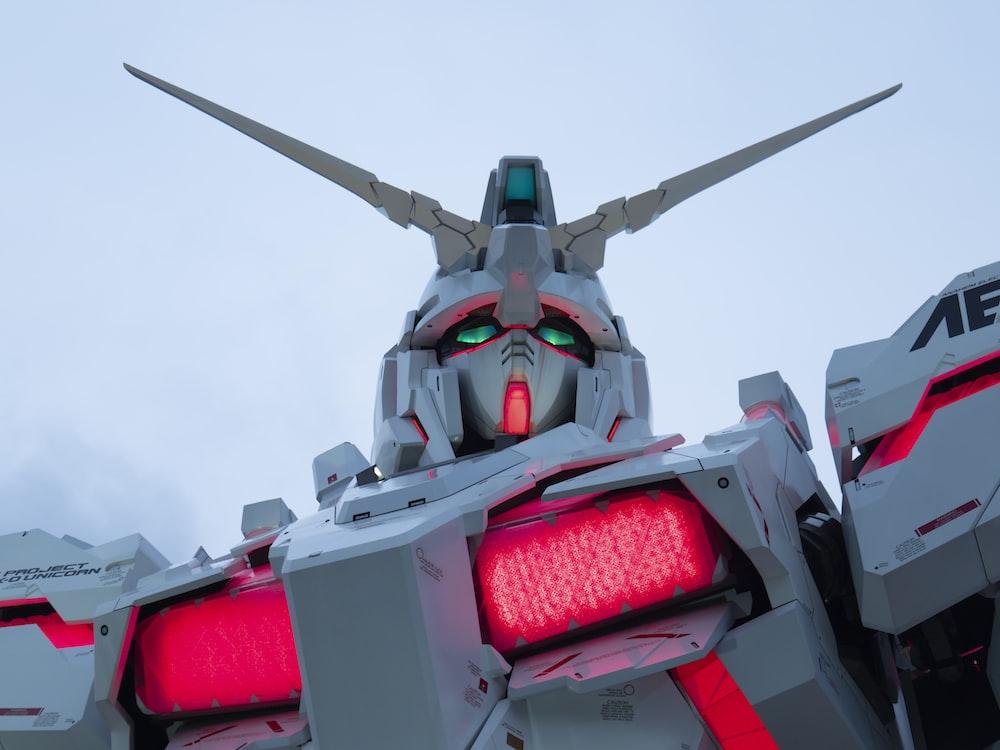 white Gundam Wing robot