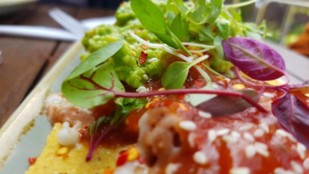 green leafy vegetable salad