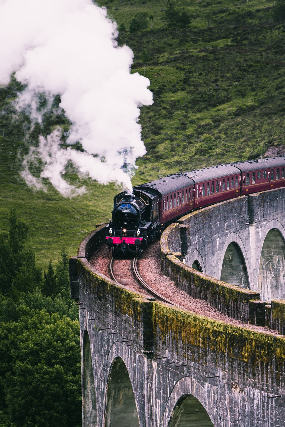 red and black train photography
