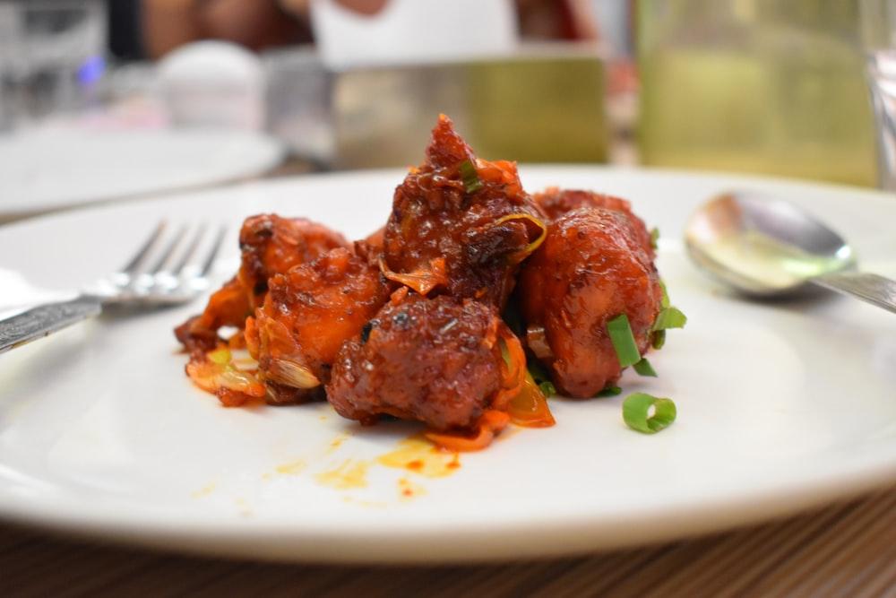 調理された肉のセレクティブフォーカス写真