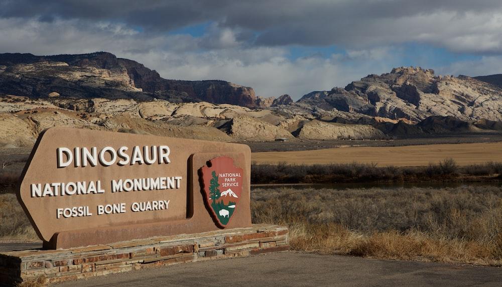 dinosaur national monument signage