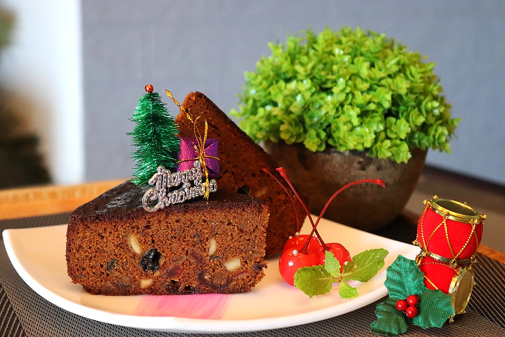 sliced chocolate cakes on plate