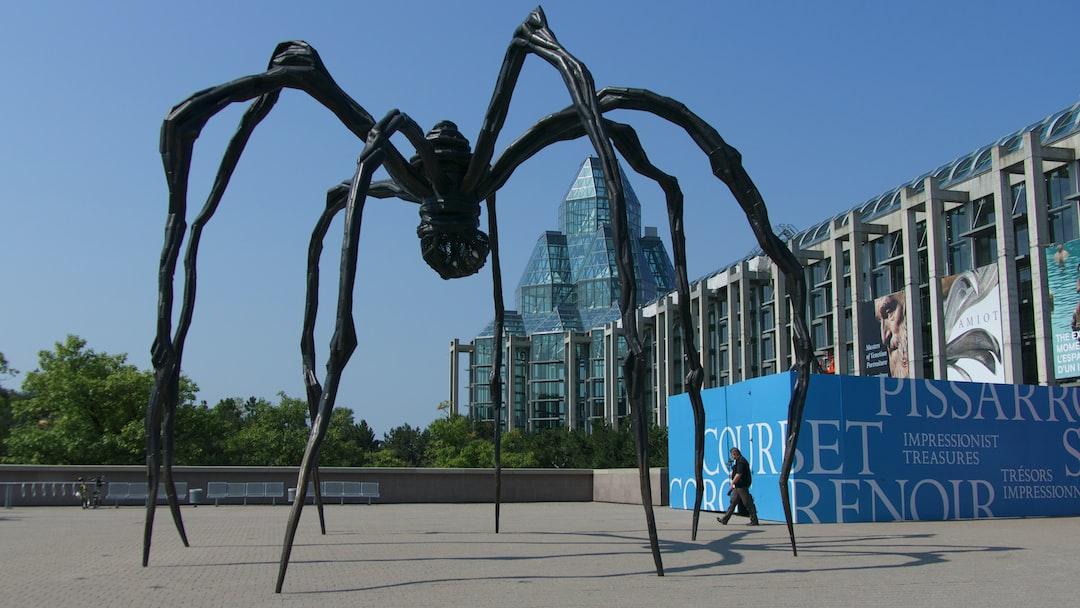 Sculpture de Louise Bourgeois près du Musée d'Arts Modernes d'Ottawa