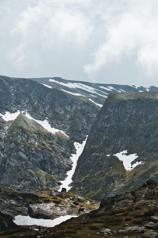 grey and green mountain range