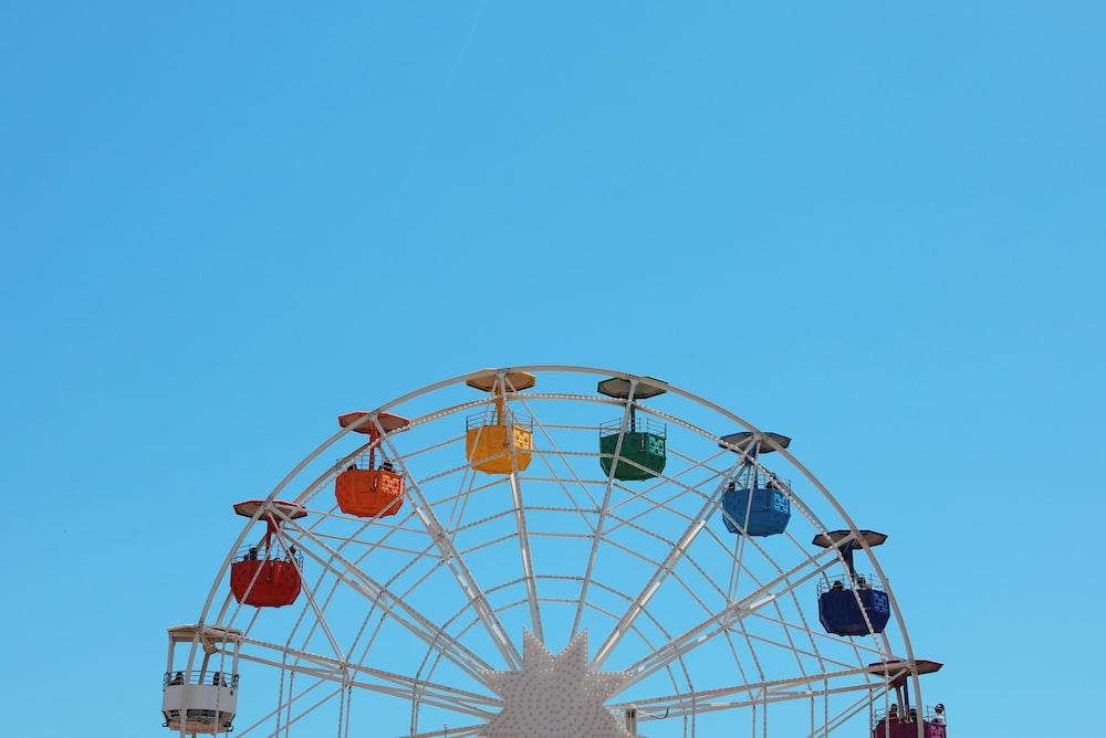 white and multicolored ferris wheel