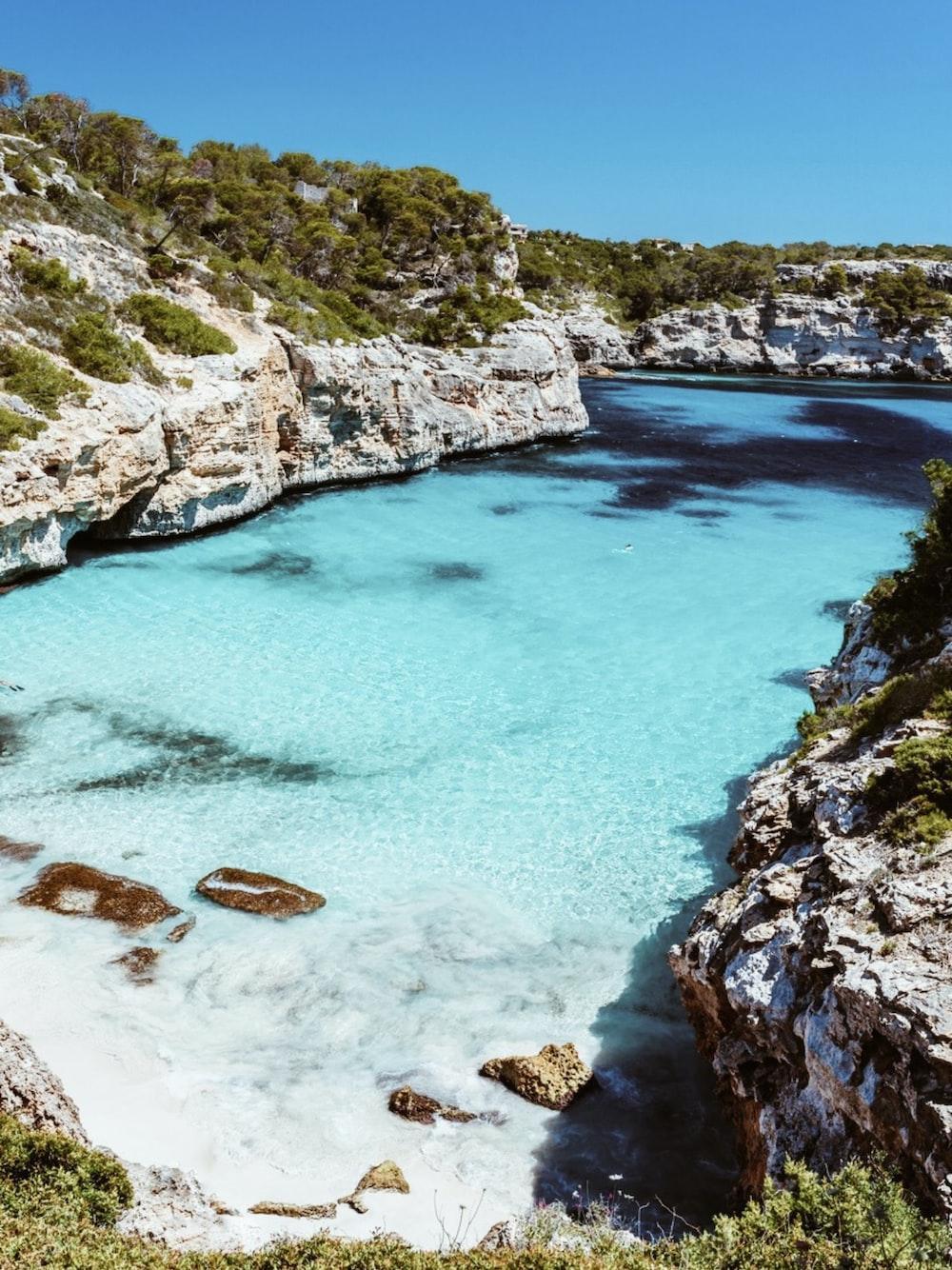 beach between cliffs