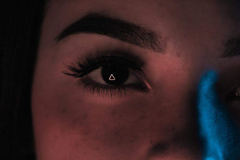 right woman eye