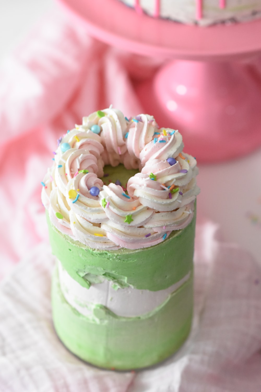 shallow focus photo of green cupcake