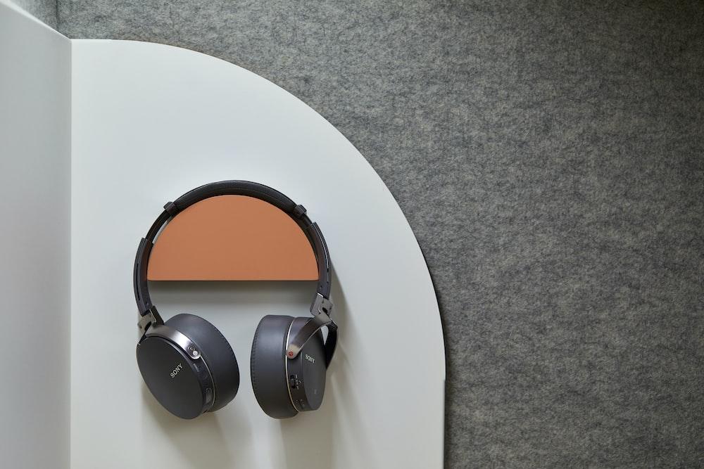 black Sony cordless headphones