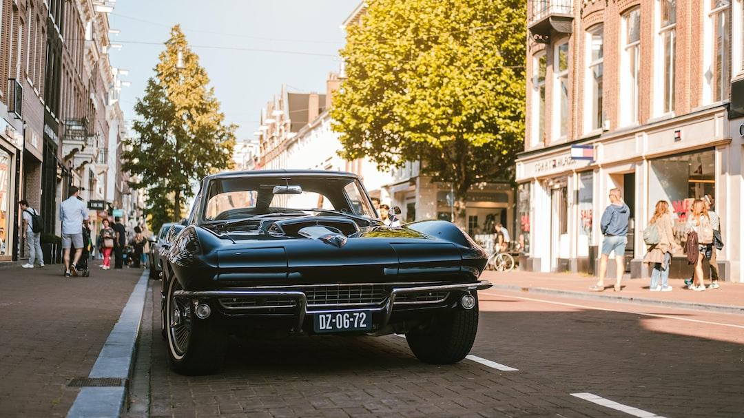 Chevrolet Corvette Stingray 1963 'split window' in Amsterdam. What a beauty.