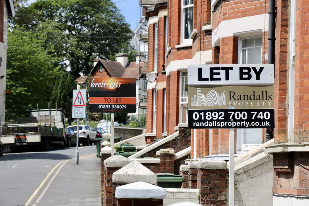 let by randals 01892700740 signage