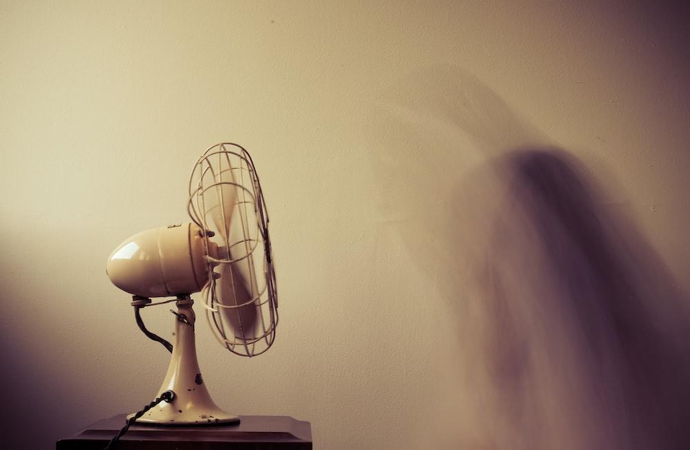 white desk fan