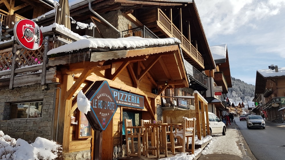 Pizzeria shop